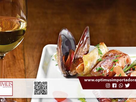 Veja com a Optimus como harmonizar vinho e frutos do mar: