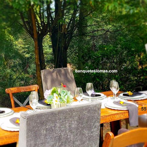 mesas y silllas