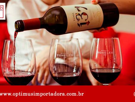 5 cuidados indispensáveis na hora de guardar vinhos em casa