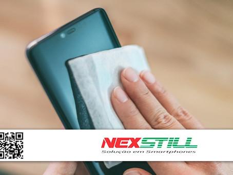 Qual é a melhor maneira de higienizar o celular e evitar a propagação do coronavírus?
