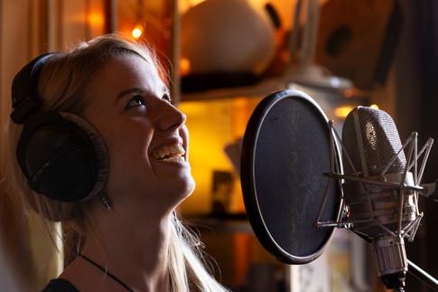 Carolynn_recording new album_29_09_18_Yu