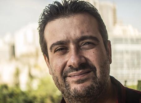 Este sírio conquistou o sucesso no Brasil com aulas de árabe