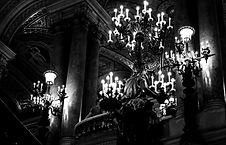From down until up. _Palais Garnier, another angle, wide eyes._edited.jpg