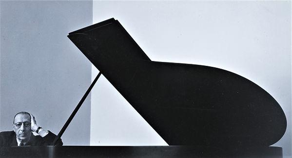 igor-stravinsky-new-york-ny-1-december-1
