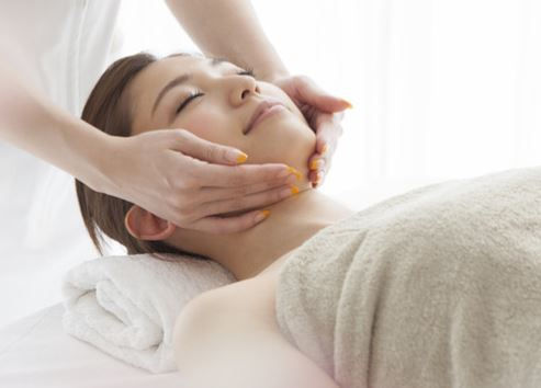 Renewing Facial Massage 60 min