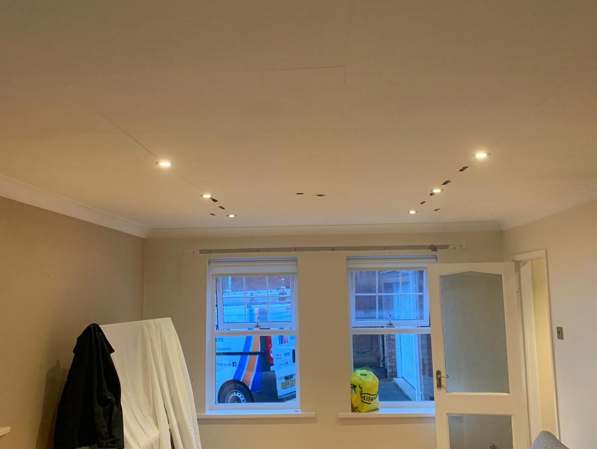Installation - Domestic ceiling lighting