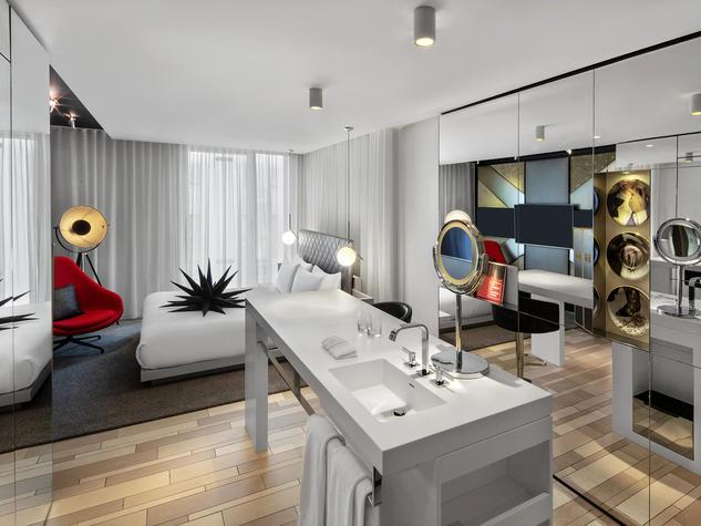LONDON W1D / HOTELS