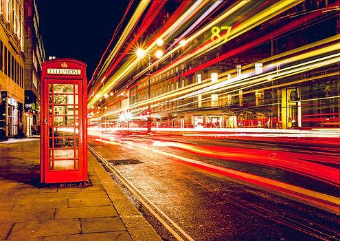 london-telephone-booth-long-exposure-lig