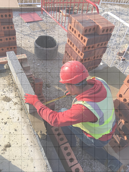 R-049-Bricklayer%20checking%20dimensions