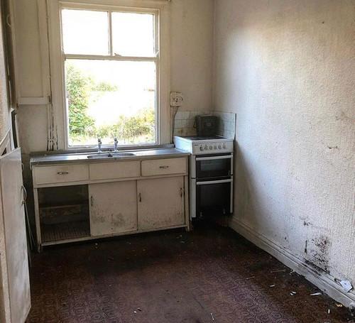 msq-Heaton moor kitchen and rear extensi