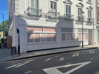 LONDON SW1X / RESTAURANTS