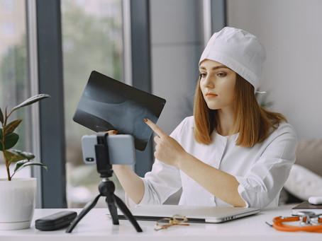 Emergências, falta de tempo e vontade de ajudar: como os vídeos reforçam a autoridade dos médicos