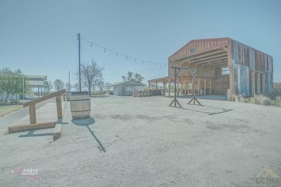 venue 6 the barn_edited.jpg