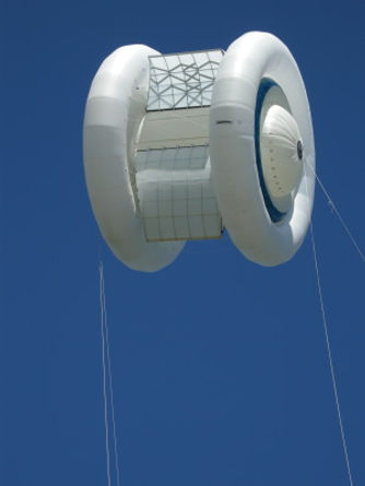 Magenn Air Rotor System flying in Gateneau Quebec