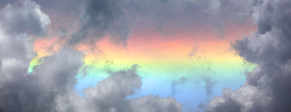 Circumhorizontal_arc_(Fire_Rainbow)_in_t