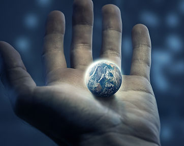 an-outstretched-hand-holds-the-earth_Soz