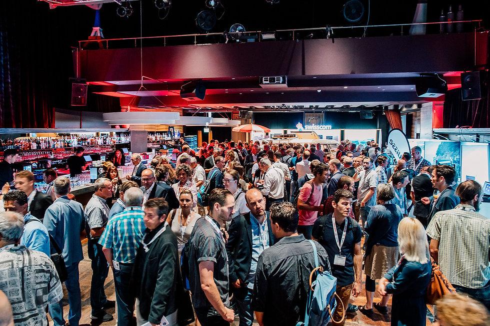SRD19_Festsaal_Networking_01.jpg