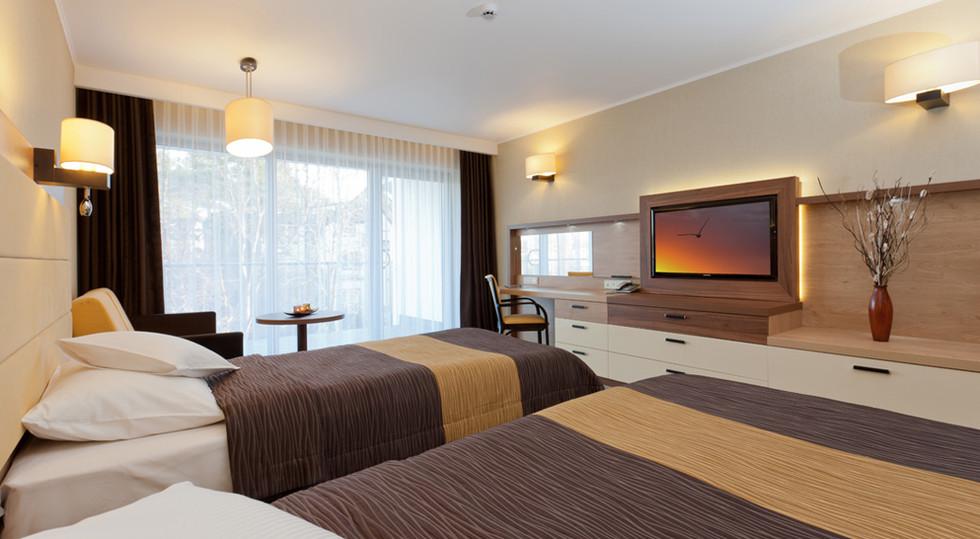 db195-hotel_Unitral_pokoj_powtarzalny_01