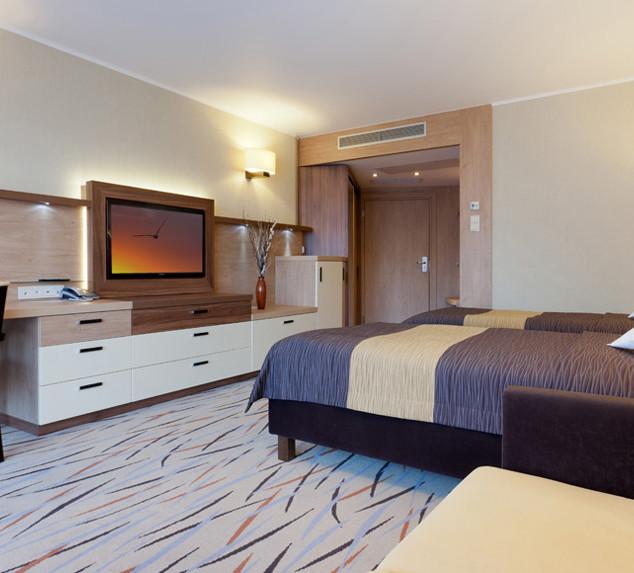 83838-hotel_Unitral_pokoj_powtarzalny_04