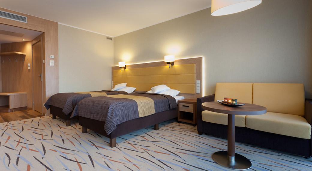 183d0-hotel_Unitral_pokoj_powtarzalny_03