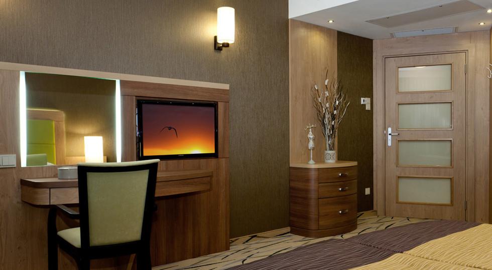 e314f-hotel_Unitral_apartament_morski_09
