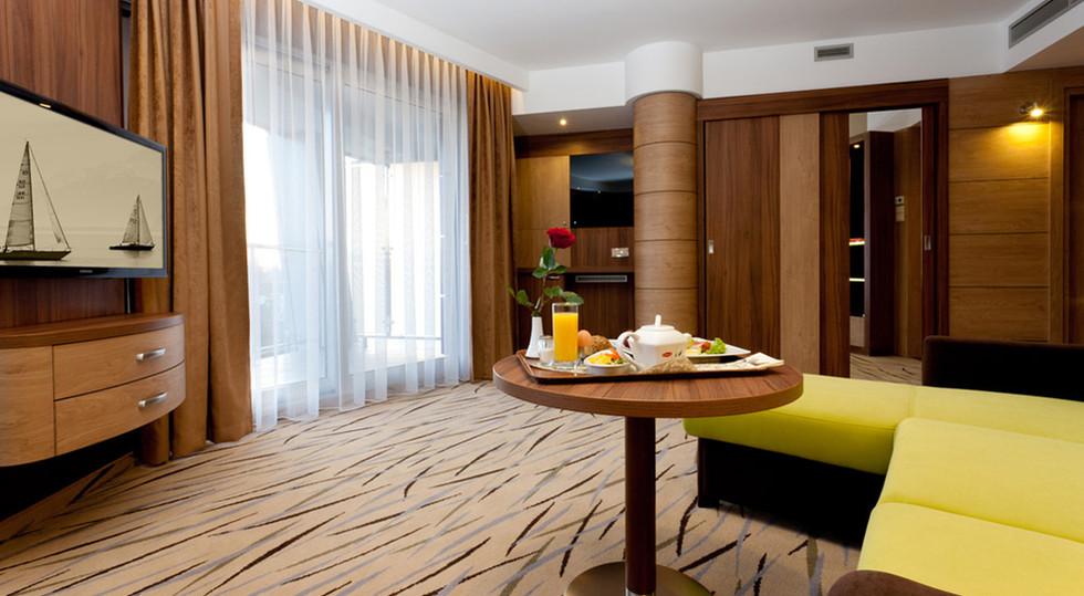 b2722-hotel_Unitral_apartament_15.jpg