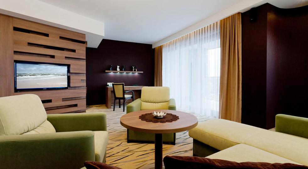 b7b8c-hotel_Unitral_apartament_morski_01