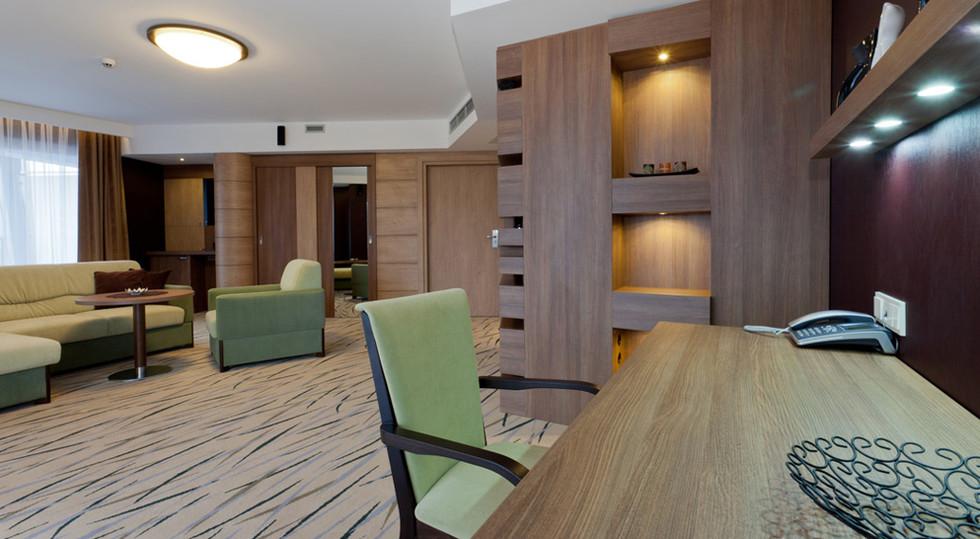 78cdf-hotel_Unitral_apartament_morski_04