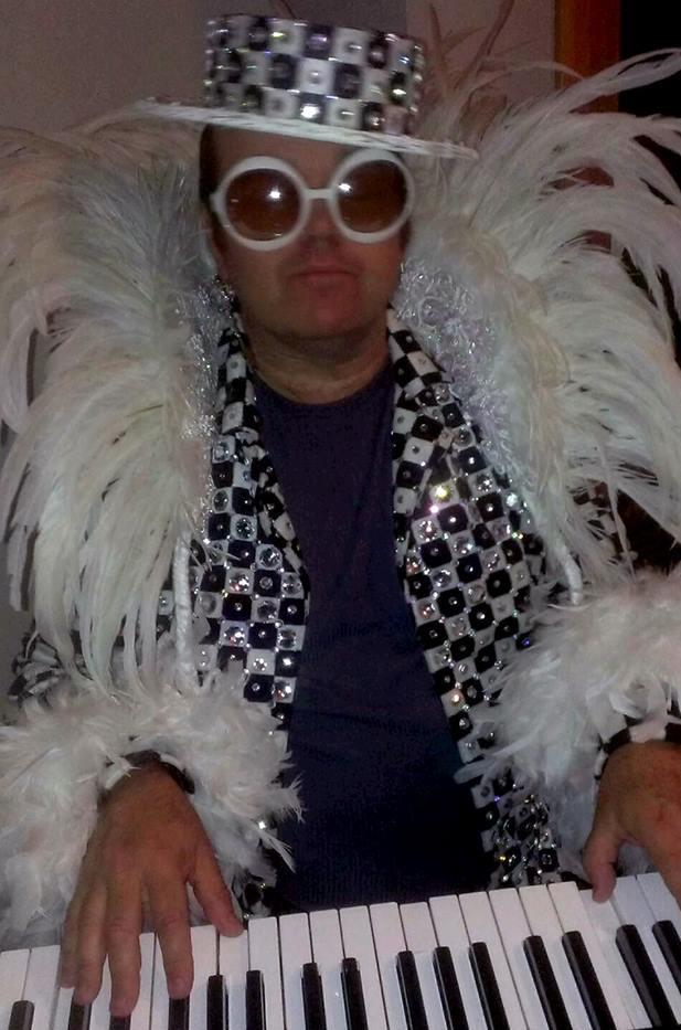 Elton+3.jpg