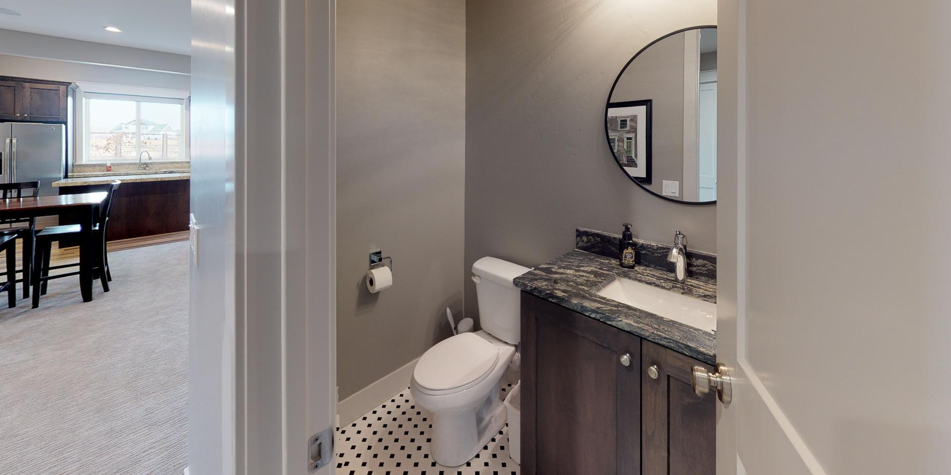 widgeon-bathroom2_45913820125_o.jpg