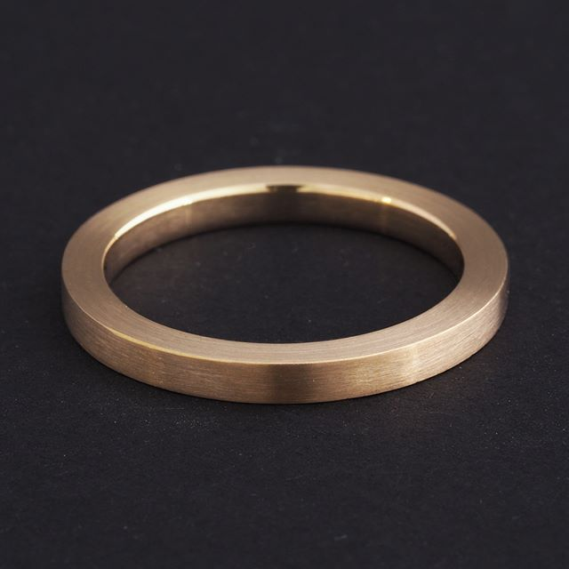 It's a suitable time to be posting this ring as it was remade from a mother's existing ring