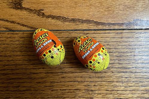 Reese's Shake and Break Egg