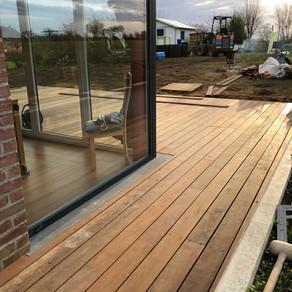 Un plancher en IPE pour une terrasse exposé SUD