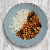 Caril vegetariano com arroz