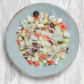 Salada grega c/ couscous e molho Tzatziki