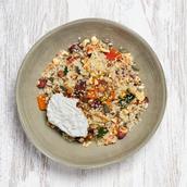 Salada de quinoa c/ legumes assados e ricotta