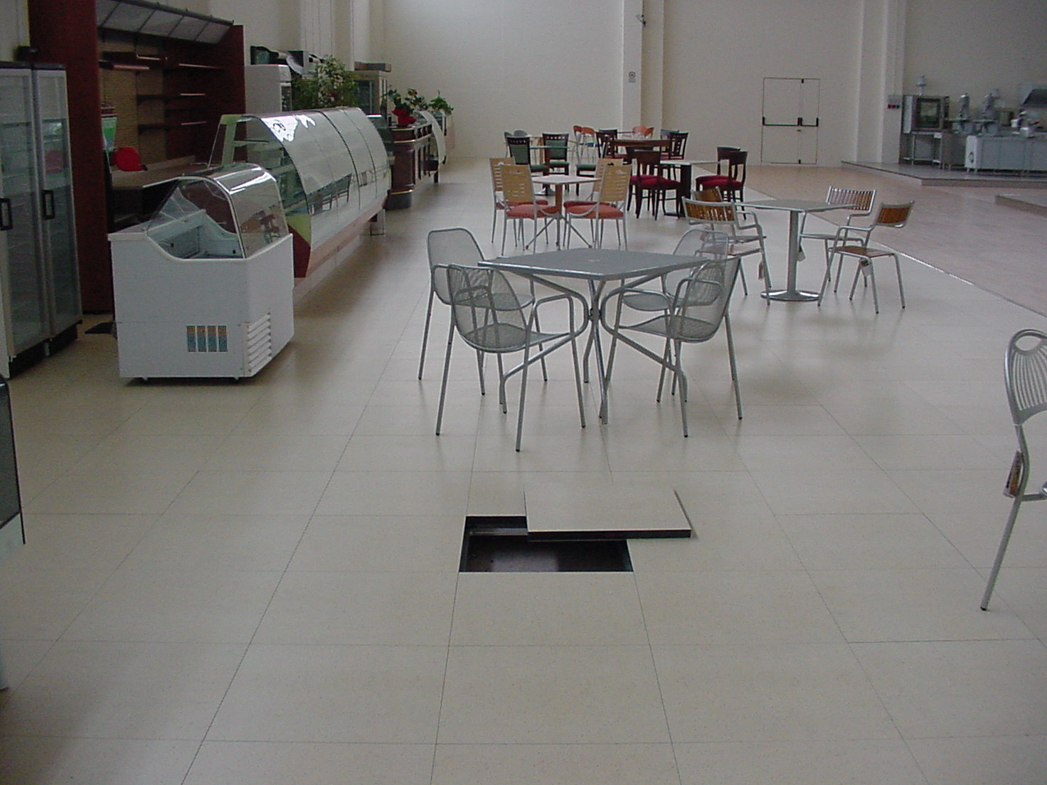 Laminate raised floor