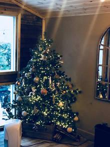 Cabin Christmas Tree