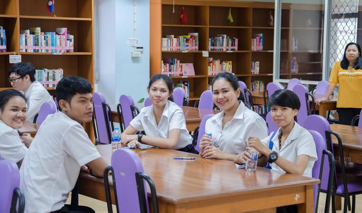 นักศึกษา สาขาวิชาบรรณารักษศาสตร์ฯ