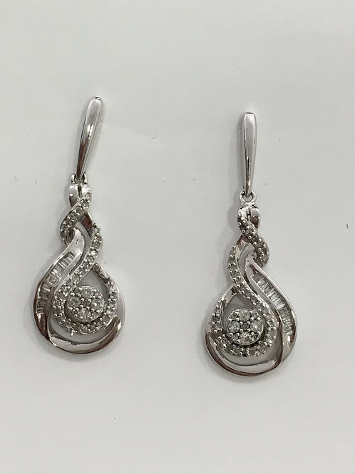 10'k White Gold  Earring