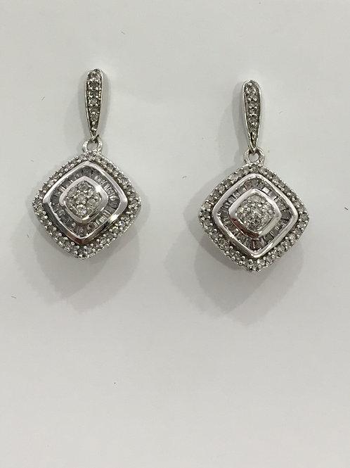 10'k White Gold  Earring