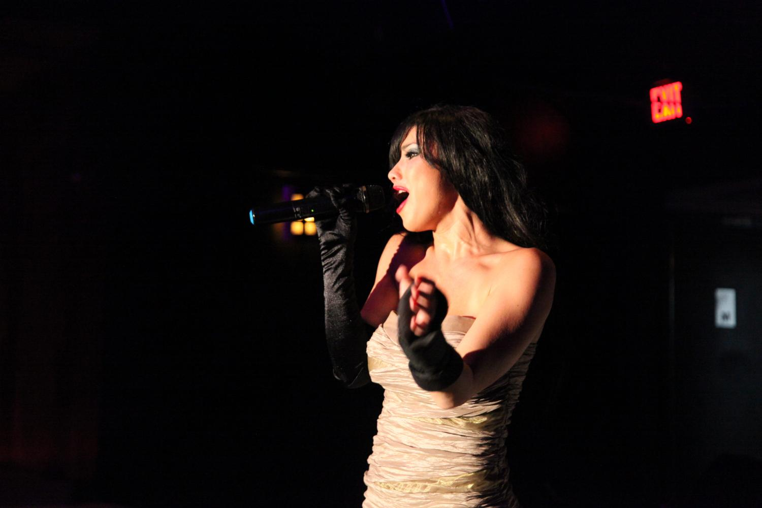Lexa Paige sings at The Cabaret