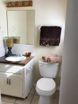 cityave-bathroom.PNG