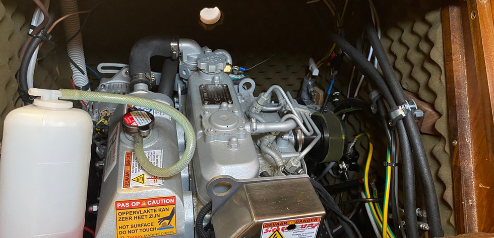 First 305 - Motor 02.jpg