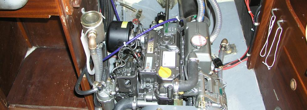 Mistral 33 Werftarbeit Neue Maschine (2)