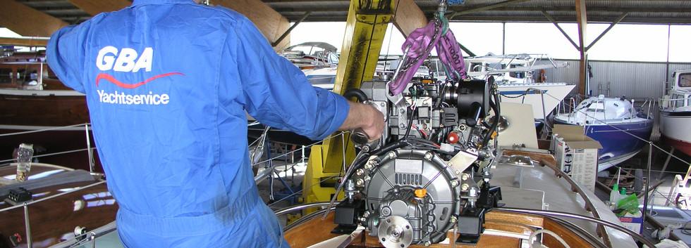 Mistral 33 Werftarbeit Neue Maschine (1)