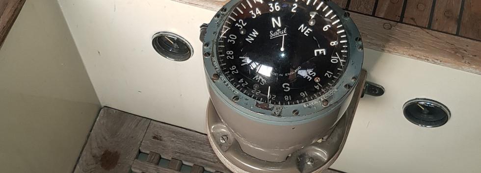Mistral  Cockpit (5).jpg