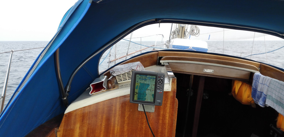 Mistral  Cockpit (3).jpg
