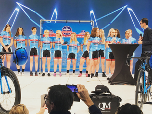 Ploegenvoorstelling Cyclelive-Healthmate UCI Womens Cycling Team.