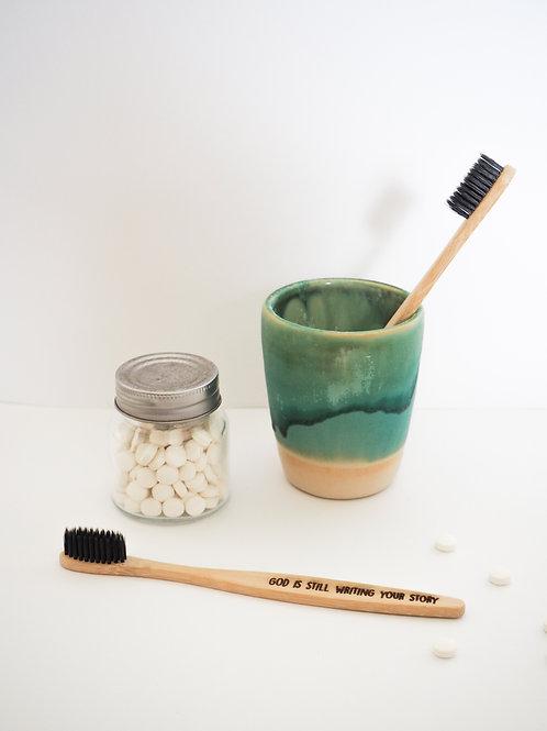 God is still writing your story | Bamboo tandenborstel